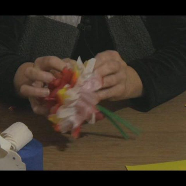 How to make mexican tissue paper flowers essay help bcpaperfwwd how to make mexican tissue paper flowers remember last week when i posted the tutorial for mightylinksfo