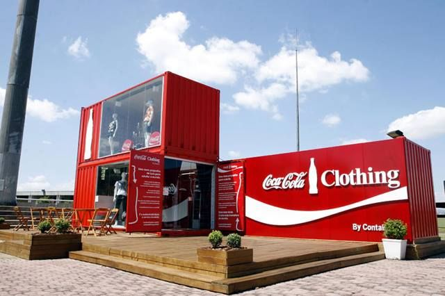 Pop up clothing store constructed with shipping containers for Creative pop up shops