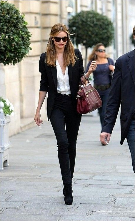 Miranda Kerr goes Olivia Palermo and it works.. But then again what Olivia Palermo style doesn't?