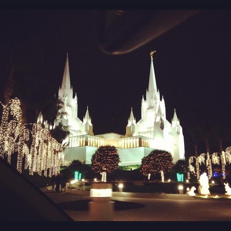San Diego Temple at Christmas