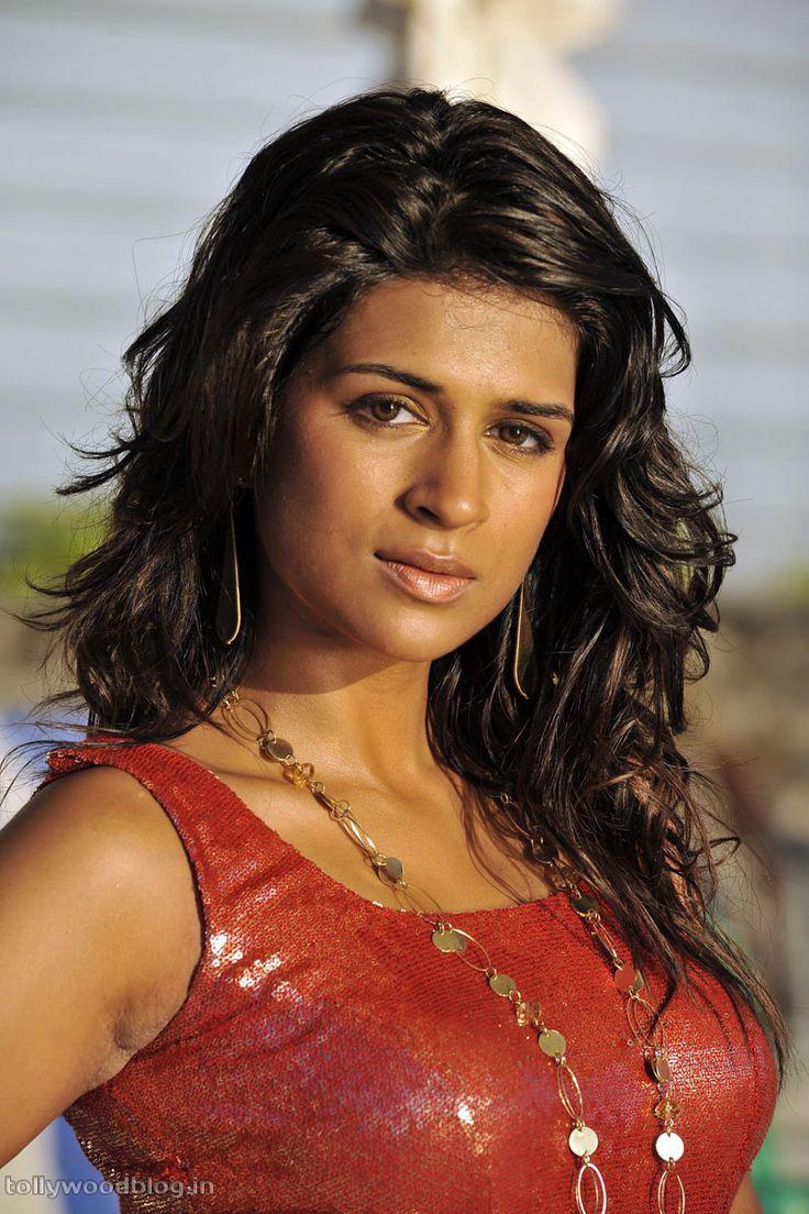 shraddha das | Telugu Spicy Actress Shraddha das latest hot photos stills gallery