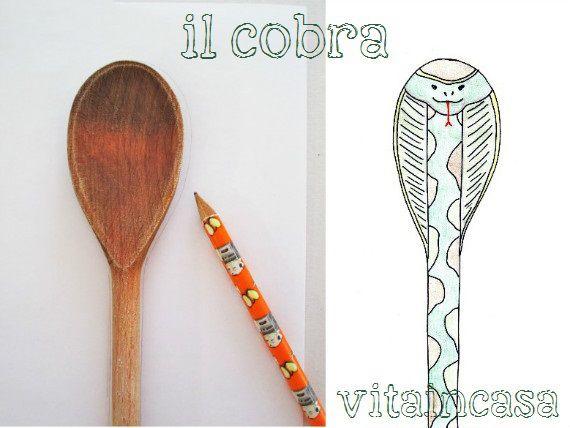 Pochi tratti di matita e la sagoma di un cucchiaio di legno si trasforma in un cobra reale!