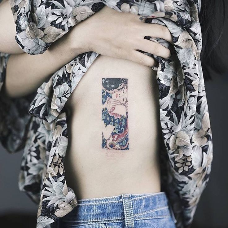 """""""기억에 남는 타투-1 . 클림트 그림과 동양 패턴 . 참 감각이 좋은 손님... Gustav Klimt - The Kiss + Oriental pattern . . 도안 도용 금지! #soltattoo#솔타투#tattooistsol"""""""