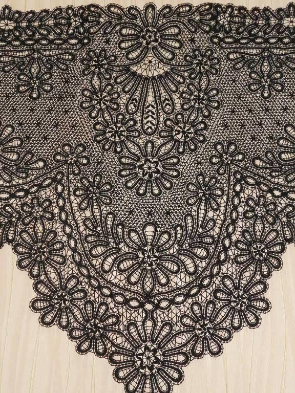 (12) Bobbin lace - encaje de bollilos - dentelle aux... - Crochet Inspire - cristiana pricop