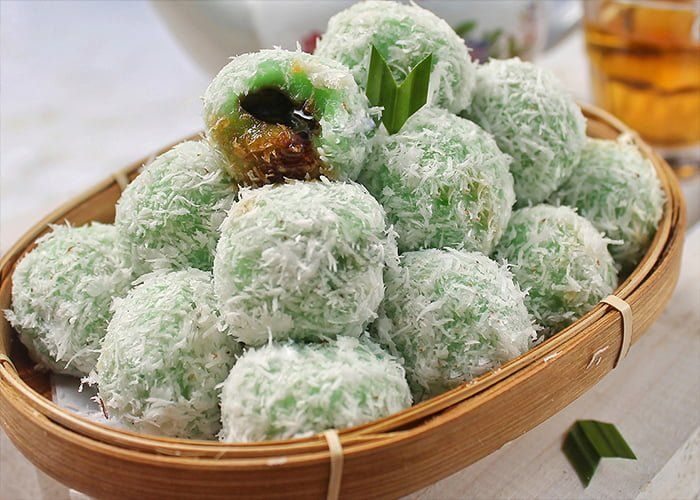 Klepon Traditional Dessert From Java Resep Hidangan Pembuka Makanan Ringan Manis