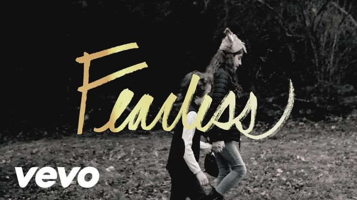 Mia Fieldes - Fearless (Official Lyric Video)
