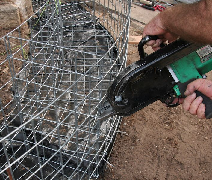 How to build a CURVED gabion wall - GardenDrum