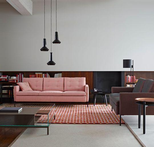 Canapé doux par sa couleur et contemporain par ses formes - design Didier Gomez pour Ligne Roset