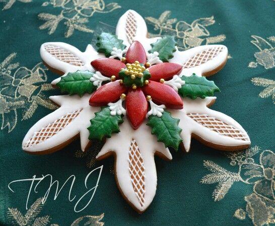 Christmas poinsettia gingerbread cookie./ Mikulásvirág mézeskalács asztaldísz.