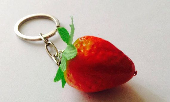 Strawberry's Collection - Necklace ; Keyring ; Mobile pendant