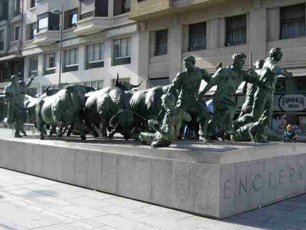 Monumento al encierro. Bull running. Pamplona