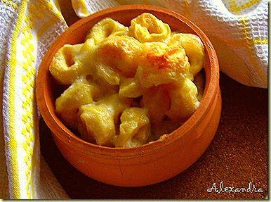 Μια πολύ γνωστή και αγαπημένη συνταγή! Υλικά 1 πακέτο τορτελίνια με τυρί 250 γρ. κρέμα γάλακτος light 200-250 γρ. διάφορα κίτρινα τυ...