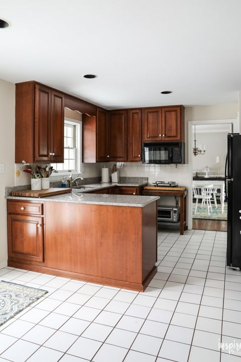 Best 15 Ways To Redo Your Kitchen Cabinets Without Breaking The 640 x 480