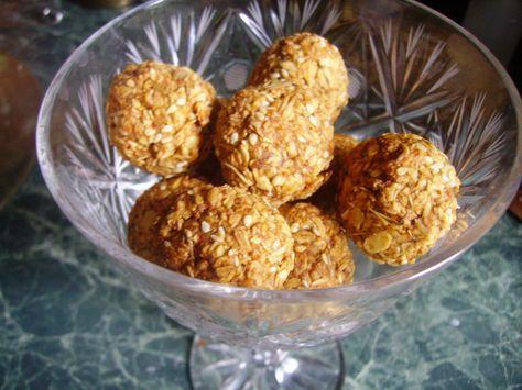 Домашние конфеты готовятся из геркулеса, содержат полезные натуральные ингредиенты. Такие вкусные и полезные сладости порадуют детей и взрослых.