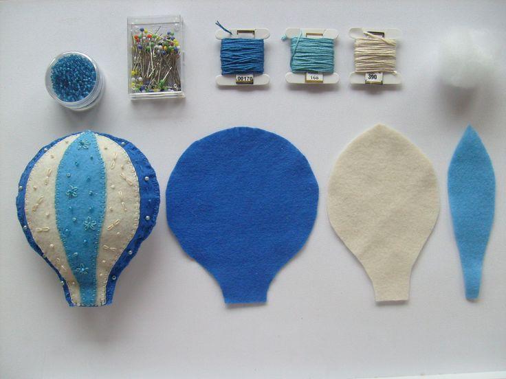 Peça para mobile em feltro, bordado e miçangas - Infantil / Bebê - Balão (Criação e execução: Annie Steudner) DIY Part for a mobile in felt, with embroidery and beads - Children's/ Baby's Room - Balloon