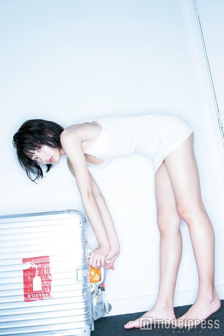 """武田玲奈「ちょっとは大人になれたのかな」 思い出の場所と初めての場所で""""新たな一面"""" - モデルプレス"""