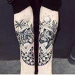 Geometria animais e pontilhismo fazem parte do mundo da talentosa artista francesa violettebleunoir Confira mais sobre seu trabalho no site tattoofriday tattoofridayftc tattoo tatuagem blackwork bleunoirtattoo violettechabanon darkartist inked tatuagemcontemporanea