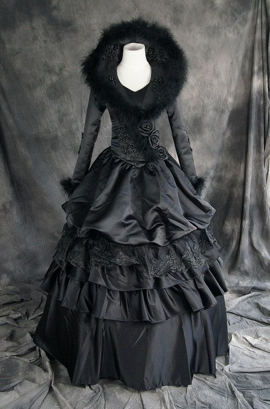 Victorian Gothic Lolita schwarz black Kostüm costume Kleid dress VG-003 Please follow our boards! http://www.bluecigsupply.com/