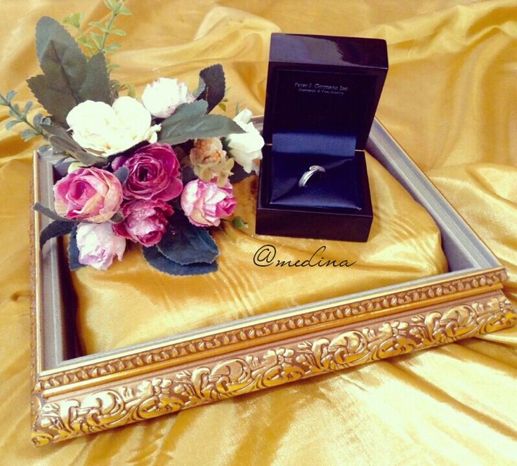 Ring box. Golden tray. IG @medina_rumahseserahan