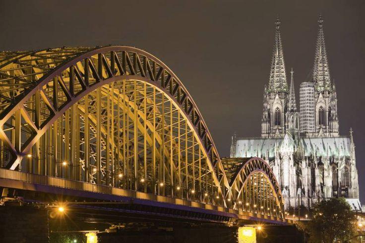 A catedral de Colônia, que abriga relíquias que estariam ligadas aos três reis magos, é a maior do mundo