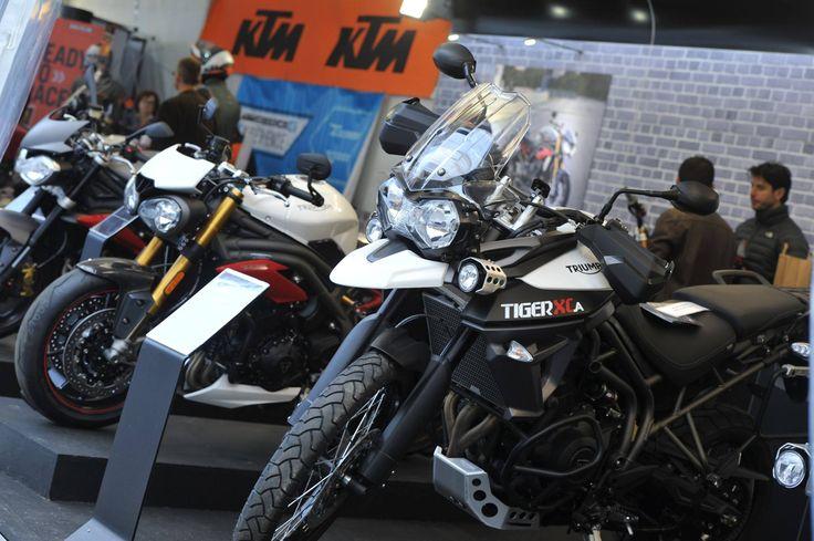 Stands Triumph et KTM