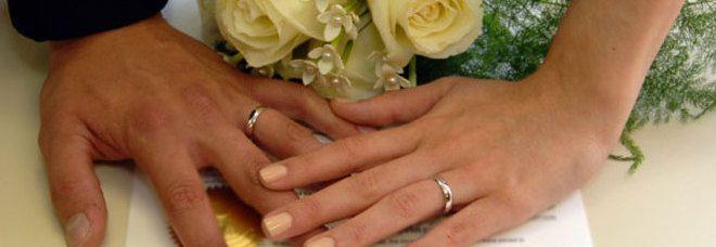 Sposini chiedono in regalo solo 'Gratta e Vinci': ne ricevono 5mila e fanno una vincita incredibile