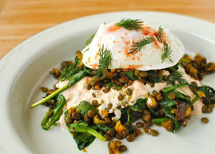 Как приготовить сытный и полезный салат: 10 рецептов до 400 калорий. Изображение номер 3