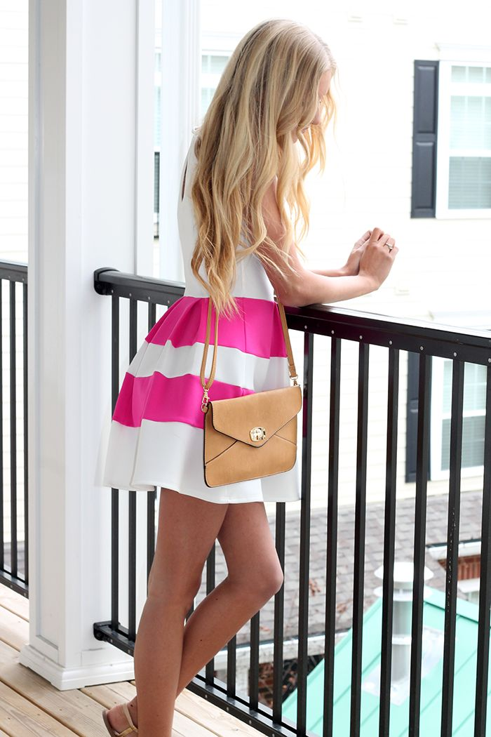 Pink striped dress under $30, link in post!
