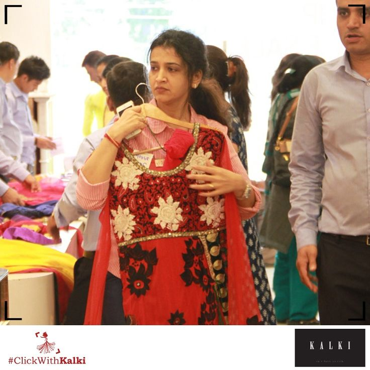 #ClickWithKalki #customers #red #punjabi #bordered #ethnic #desi #Indian #shopping #sale