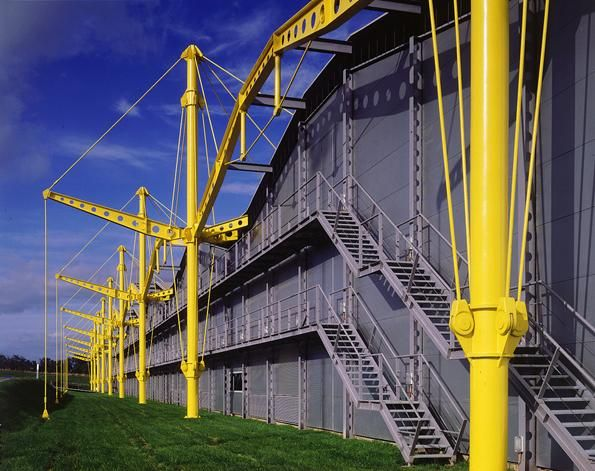 Renault Distribution Centre | 1980-1982 | Swindon, United Kingdom | Foster + Partners