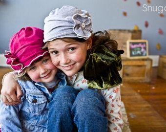 classy Shopping hat in gray or fuchsia-- Snugars little ladies hat for fall/winter 2011