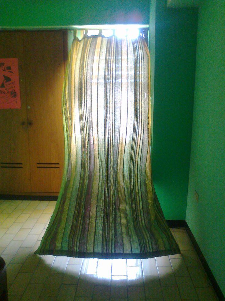 Cortina..dejandoce llevar por el viento!!..tomada en una habitación en Táchira-Venezuela.