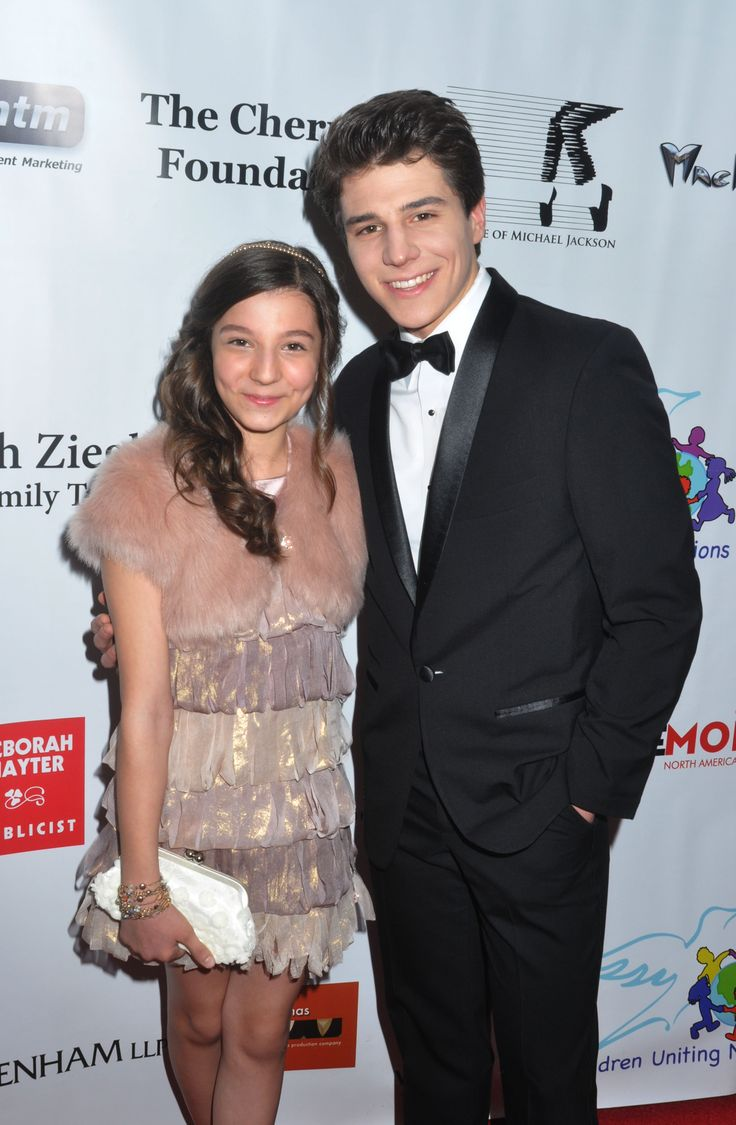 Siblings Stephanie Katherine Grant (The Goldbergs) and Michael Grant (Brooklyn Nine-Nine) arrive at the Children United Oscar party red carpet. Photo by David Walega, Wire Image.