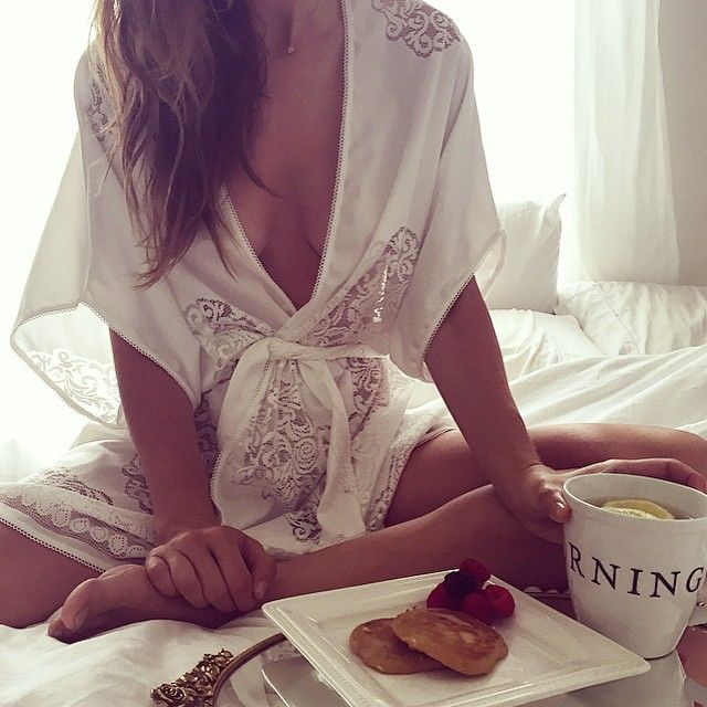Breakfast in bed with @sakaralifenyc in the Forget Me Not Kimono ☕️ #sakaratakesLA #forloveandlemons #downtoyourskivvies