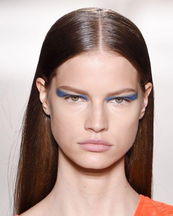 "Super glanzend haar, ook voor jou! Van dof naar hoogglans. Lees de tips #shinyhair #howtoget #hairmask #hairtreatment #hair #glow #fashion #women #haar #special #trendy #trends #hairfashion #style #hairstyle #hairstyles #hairtrends #beauty #kapperAmsterdam #Lysandro #KapperLysandro #LysandroCicilia #Kappers #hair #salon #hairsalon #Reguliersgracht ""beste kapper"" ""Goede Kapper"" ""Goede kapper Amsterdam""  ""Kapper Amsterdam"""