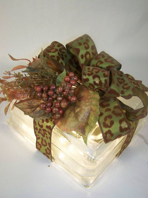 Glass block with light inside + A green, brown and gold cheetah print ribbon --- sweet presentation for the perfect gift: Cheetah, Craft, Sweet, Gift Wrapping, Glasses, Glass Block Gifts, Christmas Lighted Glass Blocks, Christmas Glass Blocks, Glass Block Light
