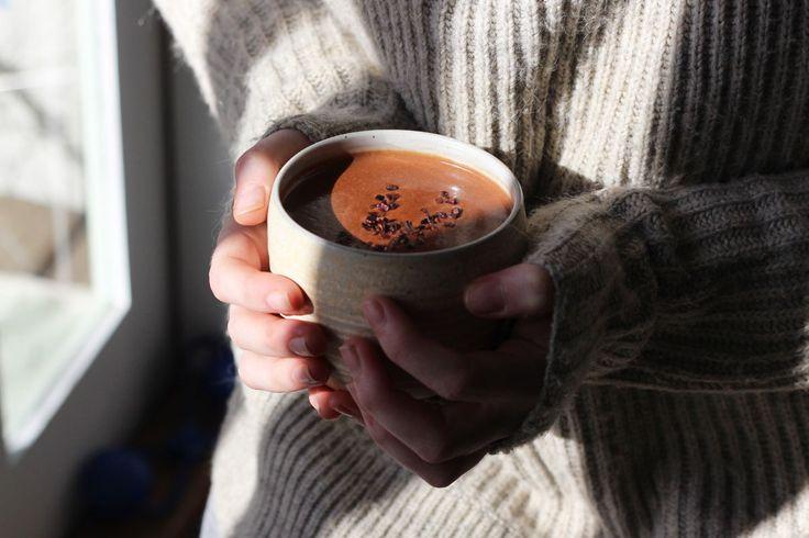 A delicious maca hot chocolate recipe.