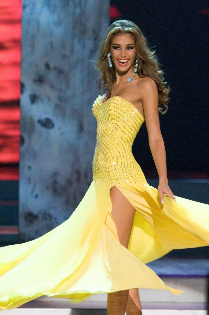 Dayana Mendoza Miss Universo 2008 diseño de Gionni Straccia