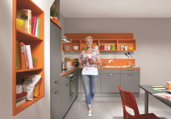Speed 256 #kuchenne_warszawa #niemieckie_kuchnie #meble_kuchenne_warszawa #meble_nobilia #kuchnie_warszawa  Kuchnia dla nieco odważniejszych, na pewno oryginalna. Nobilia oferuje wiele pomysłów, nie ogranicza się tylko do kolorów ziemi. W ofercie również zielony i niebieski.