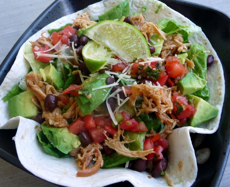 Mouth Watering Monday: 25 Dinners in 6 Ingredients or Less!Slow Cooker Recipe, Brown Sugar, Crock Pots, Chicken Salads, Chicken Tacos, Crockpot Recipe, Chefs In Training, Bajio Chicken, Chicken Breast
