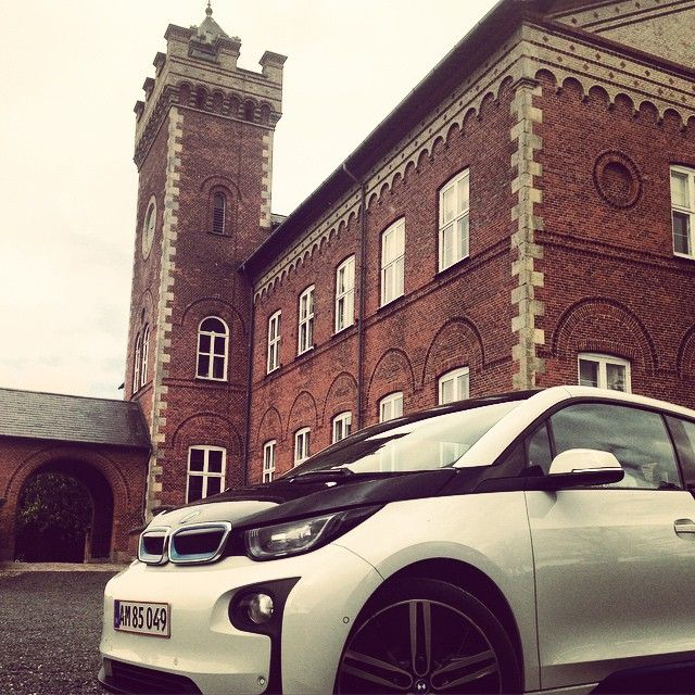 New BMW old Gyldenholm #conferencecampus #car #electric #bmw #old #new #wauv