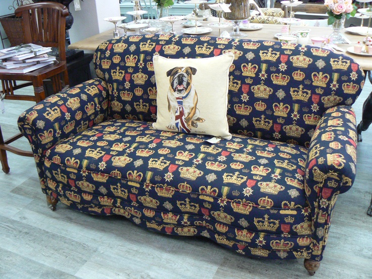 Crown settee.. one & only!