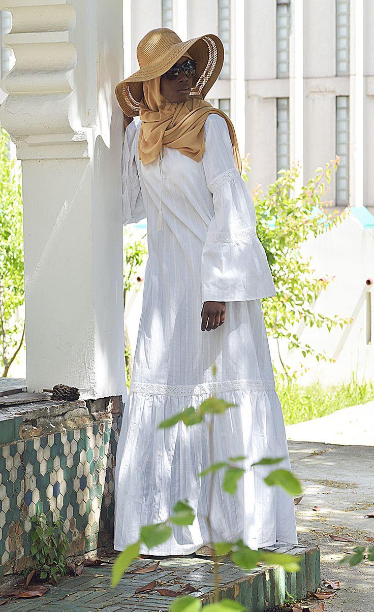 Robe longue de tattoo pictures to pin on pinterest - Robe Longue Abaya Andalouse Ramadan 2017 Lookbook Grande Mosqu E De Paris Vestiaire De La Femme