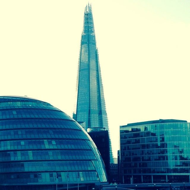 Stunning light today over London #towerbridge #cityhall #colourblocking #theshard #shard #ilovelondon #thesilkvault