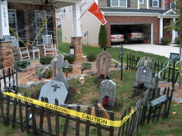 halloween graveyard ideas our graveyard home exterior. Black Bedroom Furniture Sets. Home Design Ideas