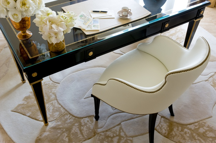 Fabulous desks for writing and dreaming - The Penthouse - Details - Four Seasons Hotel George V