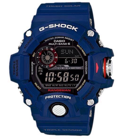 Orologio digitale Casio G-Shock Rangeman navy blu Limited Edition radio controllato a energia solare. Cassa e cinturino in resina blu. Display negativo. Antiurto. Funzioni di altimetro, barometro, bussola,termometro, alba e tramonto,timer,fusi orari,5 all.
