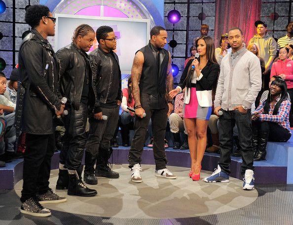 "Rocsi Diaz Photos Photos - Robert Curry, Brian Andrews, Michael McCluney and Willie Taylor of the group Day 26 with BET hosts Rocsi Diaz and Terrence J on the set of BET's ""106"