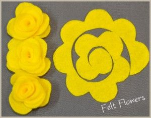 "Cute. I have seen this before but don't think I ""pinned"" it. Use hot glue on the bottom as you are rolling the ""flower"": Crafts Ideas, Flowers Patterns, Felt Flowers Tutorials, Felt Crafts, Diy Felt, Felt Rose, Easy Felt, Headbands, Fabrics Flowers"