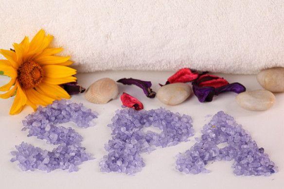 fondo-blanco-cosmeticos-toallas-lirios_3195385.jpg (584×389)